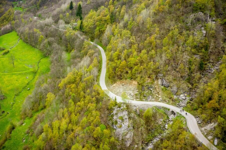 La montée aux Chapieux et au Cormet de Roselend, commune de Bourg Saint Maurice,Savoie