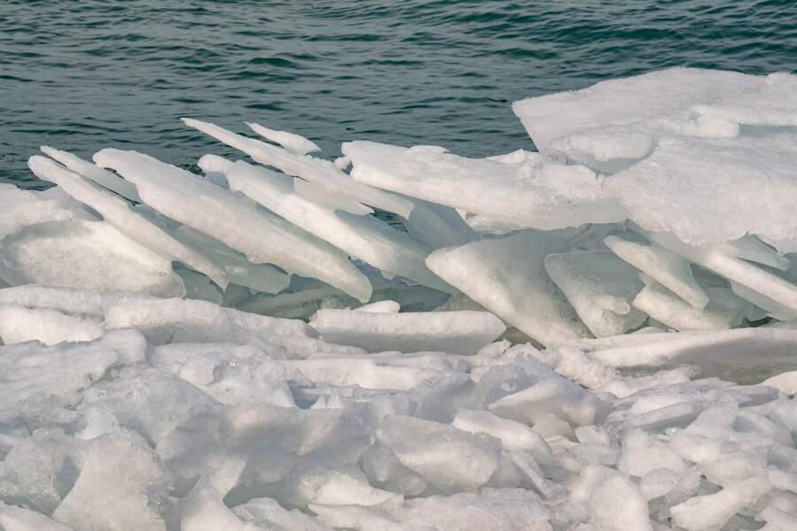 Des morceaux de glace