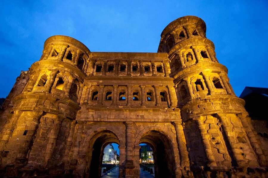 Trèves – monuments romains, cathédrale Saint-Pierre et église Notre-Dame, Allemagne