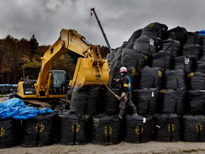 Un tâche titanesque : retirer vingt-neuf millions de mètres cubes de terre contaminée