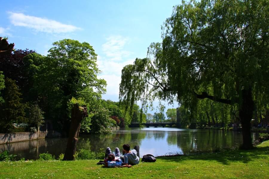 Le parc Minnewater et le romantisme brugeois