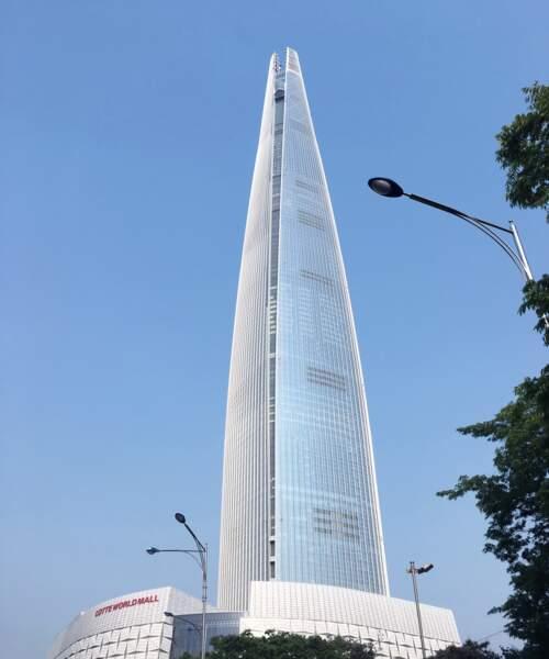 6. La Lotte Super Tower à Séoul (Corée du Sud) avec 554,5 mètres de hauteur (2017)