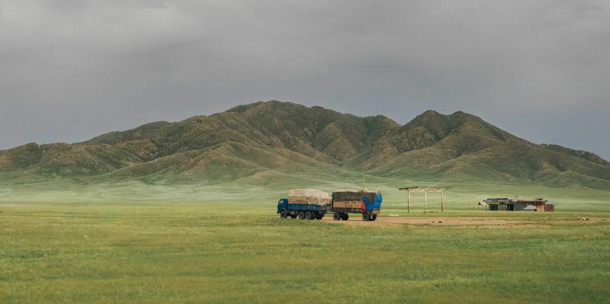 En route entre montagne et steppe