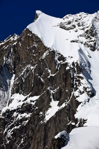 La face Nord-Est de l'aiguille de l'Amone, à Chamonix, France (2009)