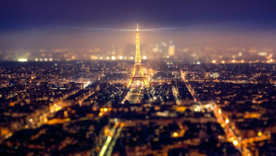 France : la Tour Eiffel à Paris