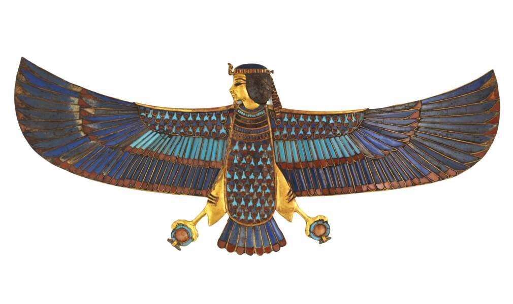 Pectoral en or de l'oiseau Ba avec incrustations de verre