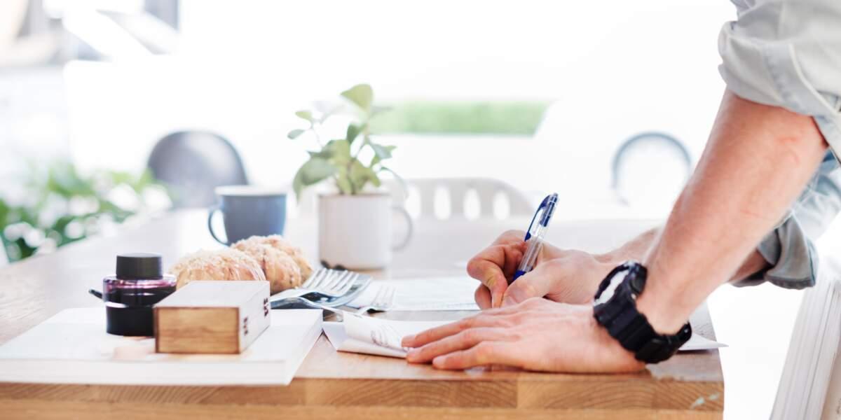 Préparer votre absence : travail, logement, courrier