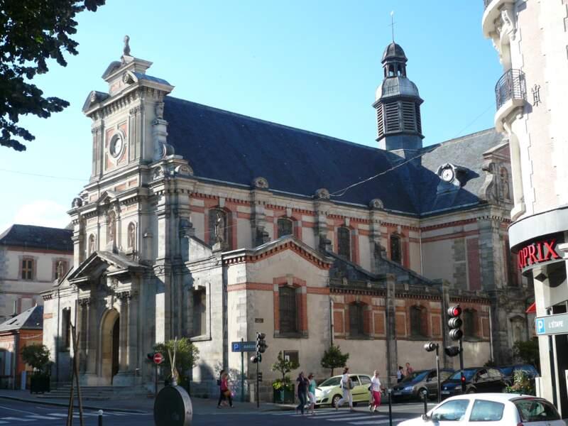 Parcourir l'église Saint-Louis