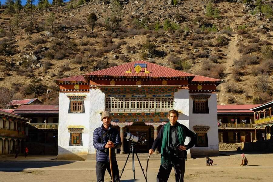 Devant le monastère de Yalwang