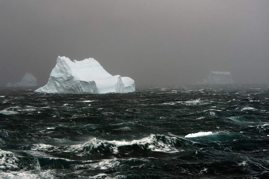 Iceberg au large - Antarctique