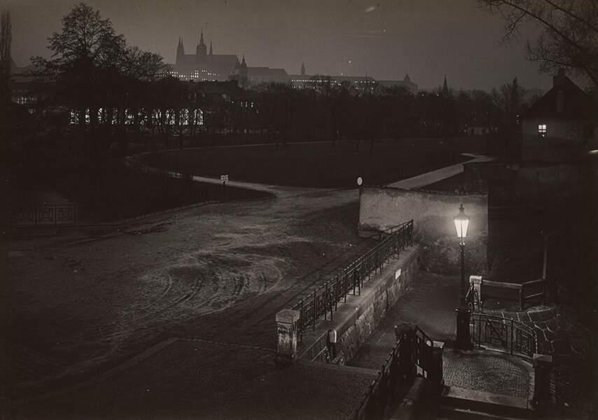 Prague pendant la nuit, vers 1950–1959