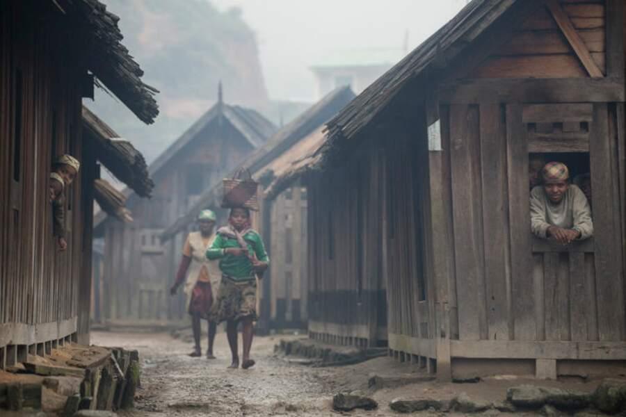 Les Zafimaniry et leurs demeures en bois
