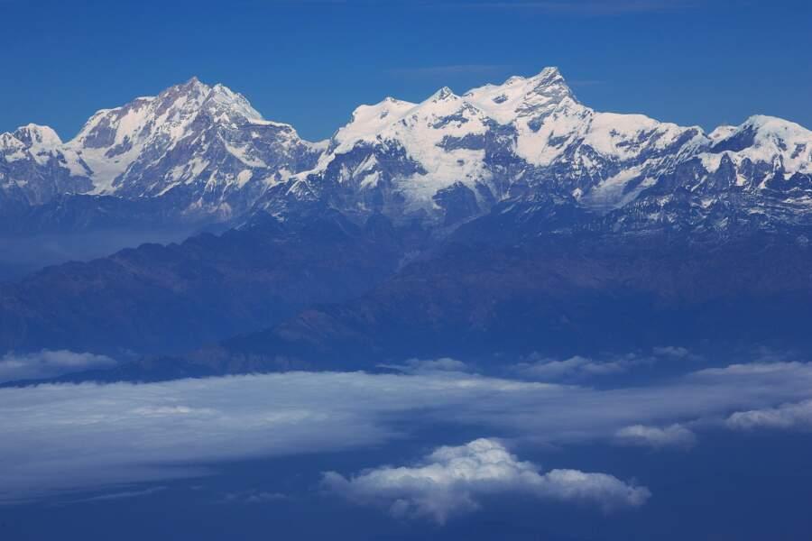 Admirer la chaîne montagneuse de l'Himalaya