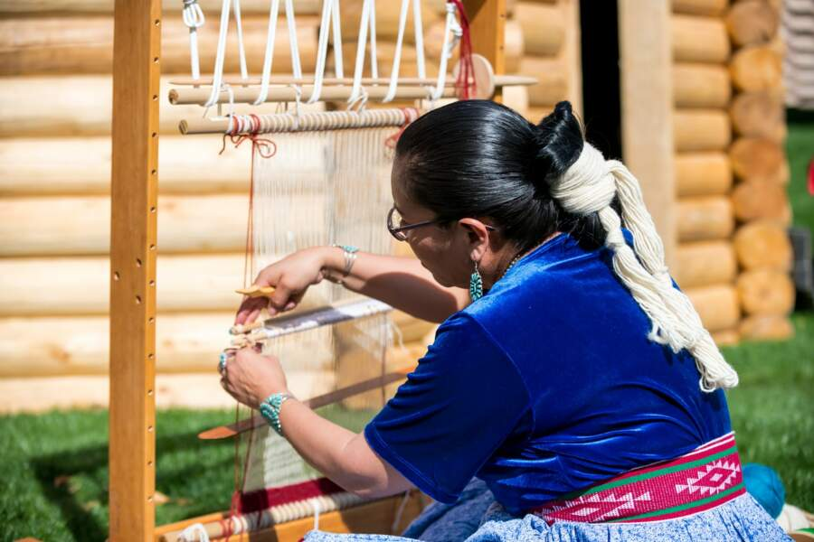 Démonstration de tissage navajo