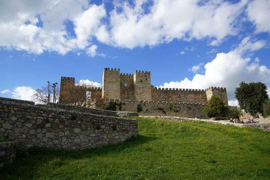 Château de Trujillo, en Espagne : Castral Roc (Casterly Rock), le fief des Lannister