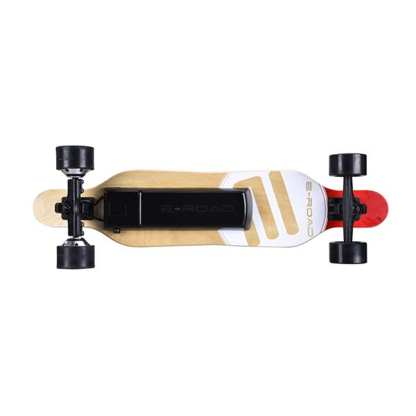 Tout schuss avec ce longboard électrique, jusqu'à 35 km/h, autonomie 30 km