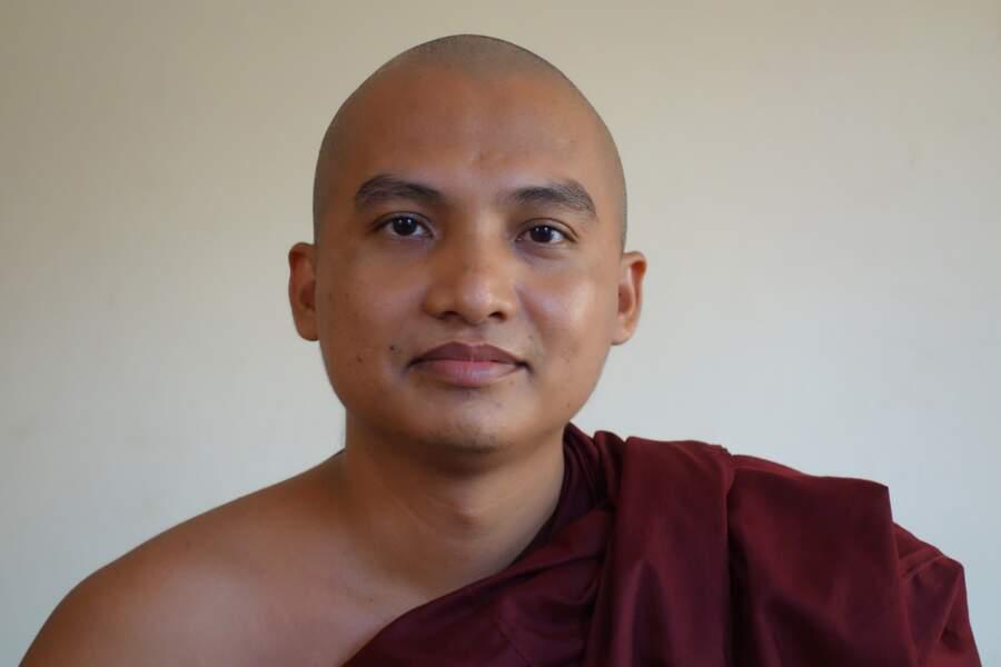 A Mandalay, un bonze connecté