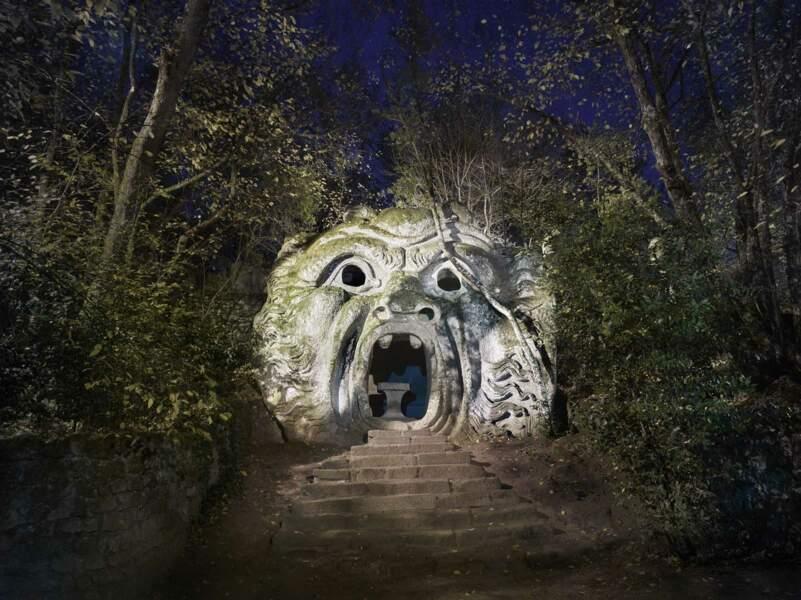 Terrifiante porte de l'Ogre à Bomarzo