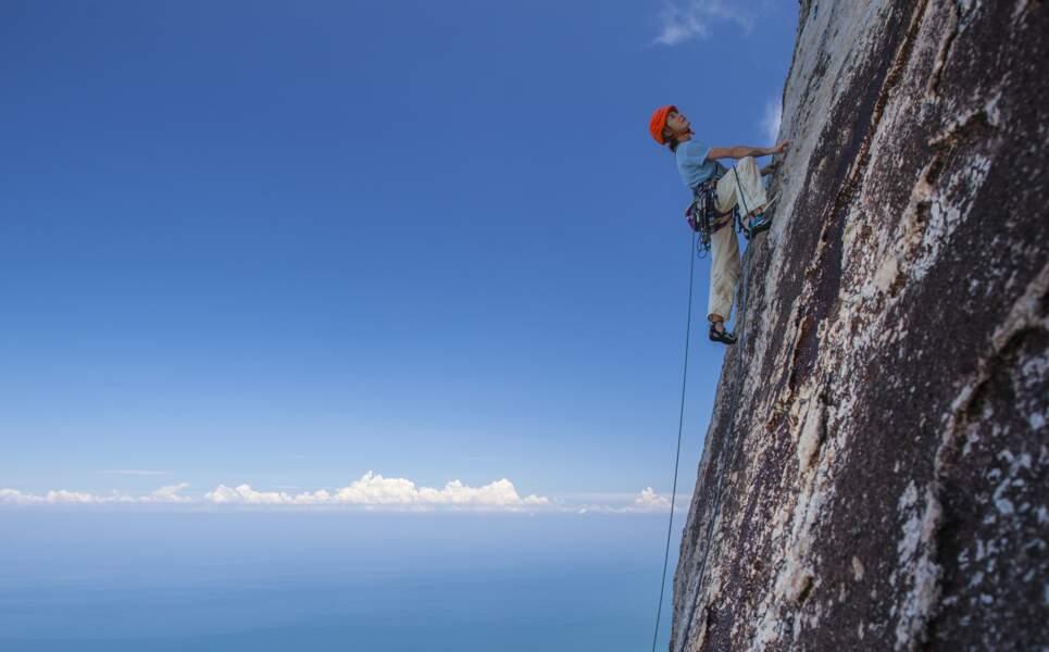 Damaï Santosa, 300 mètres de hauteur, la voie la plus répétée de Tioman Island