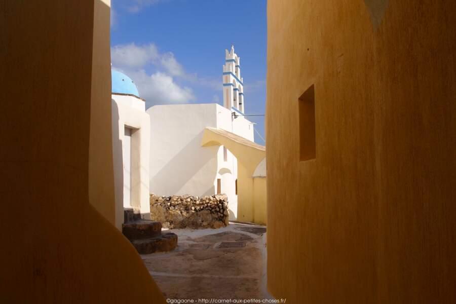Grèce - Le village déserté d'Emborio - Santorin insolite