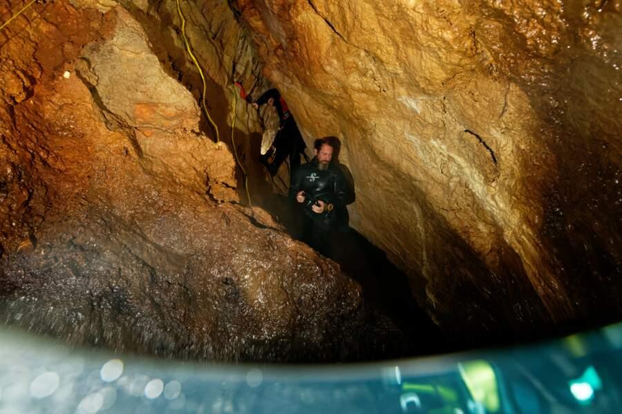 Des caméras de surveillance dans les grottes