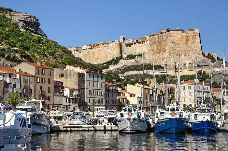Le port et la citadelle de Bonifacio