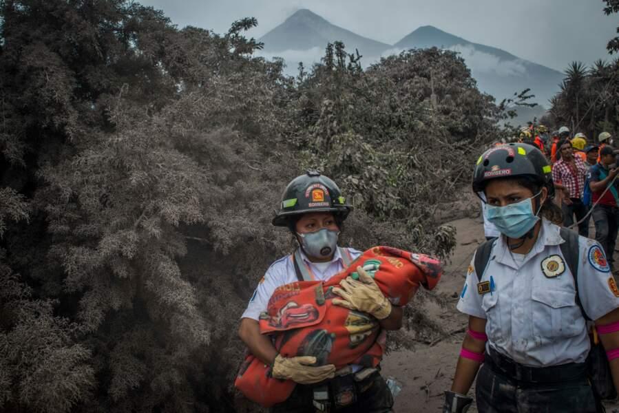 Éruption du volcan de Fuego, au Guatemala