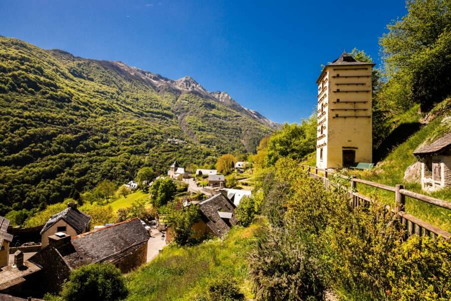 Pigeonnier de Chèze, monument historique des Hautes-Pyrénées