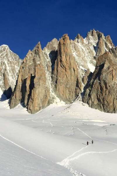 Dans le massif du Mont Blanc, le Grand Capucin et ses 400 m offrent la paroi granitique la plus verticale de France