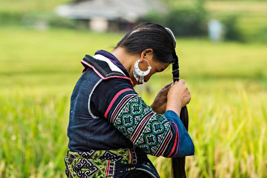 Les membres de l'ethnie Hmong portent leur costume tous les jours