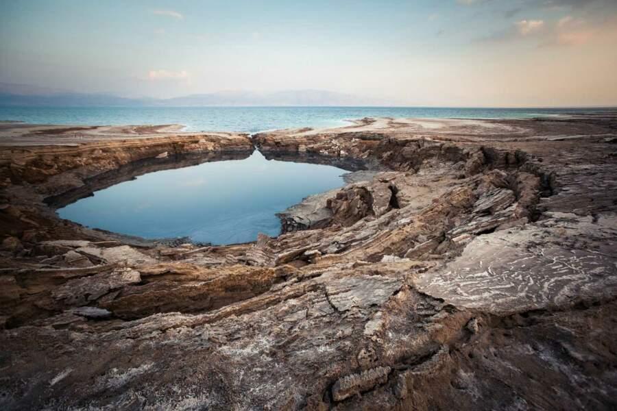 Terminus du voyage, la mer Morte n'a jamais aussi bien porté son nom