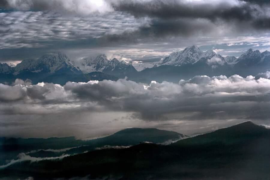 L'Himalaya vu du monastère de Namo Buddha, au Népal