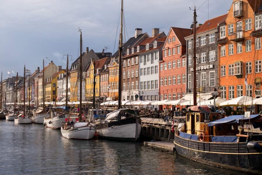 Le port de Nyhavn, quartier haut en couleurs
