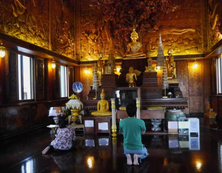 Thaïlande - Des temples de Wat Bang Kung au marché flottant d'Amphawa