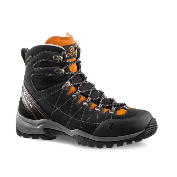 R-Evolution GTX, Scarpa, la plus sportive