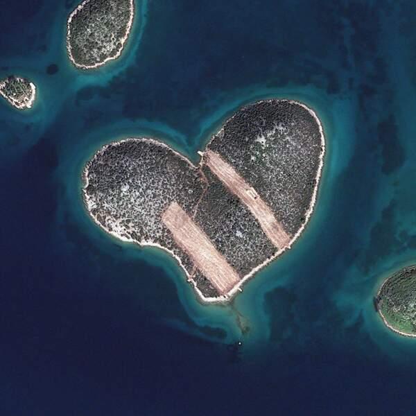"""Galesnjak, en Croatie, dite """"île des amoureux"""""""
