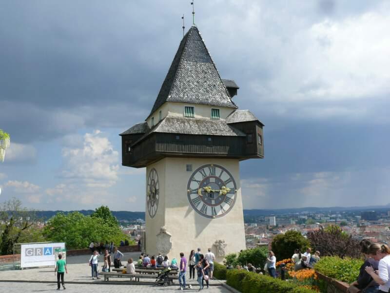 Observer Graz depuis la tour de l'Horloge
