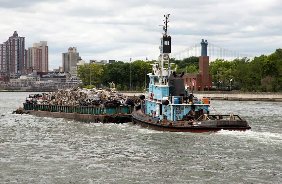 New York, trains, bateaux et camions
