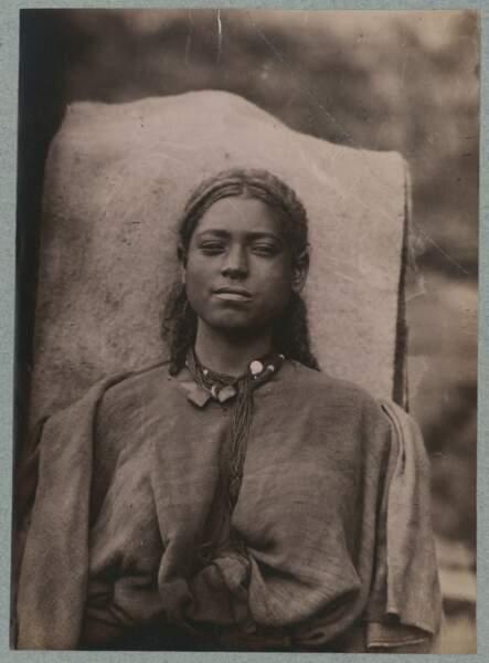 Portrait d'une jeune femme d'Éthiopie, Jules Borelli (septembre 1885 - novembre 1888)