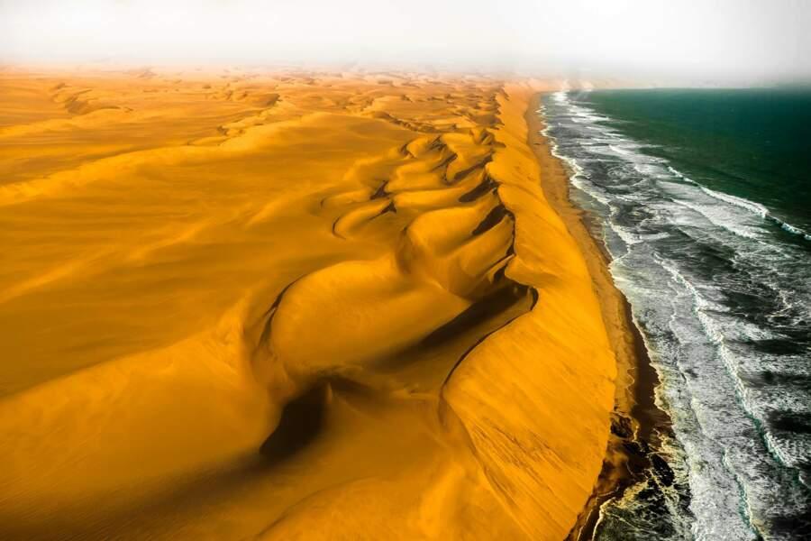 Dunes ocre de Namibie