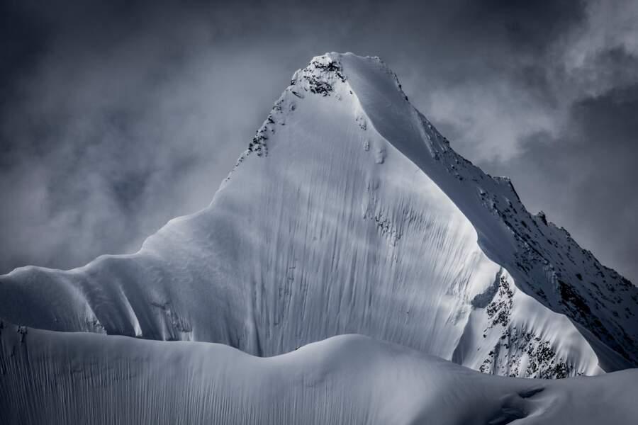 Les plus de 4000 mètres de l'Ober Gabelhorn, Alpes valaisannes, Suisse