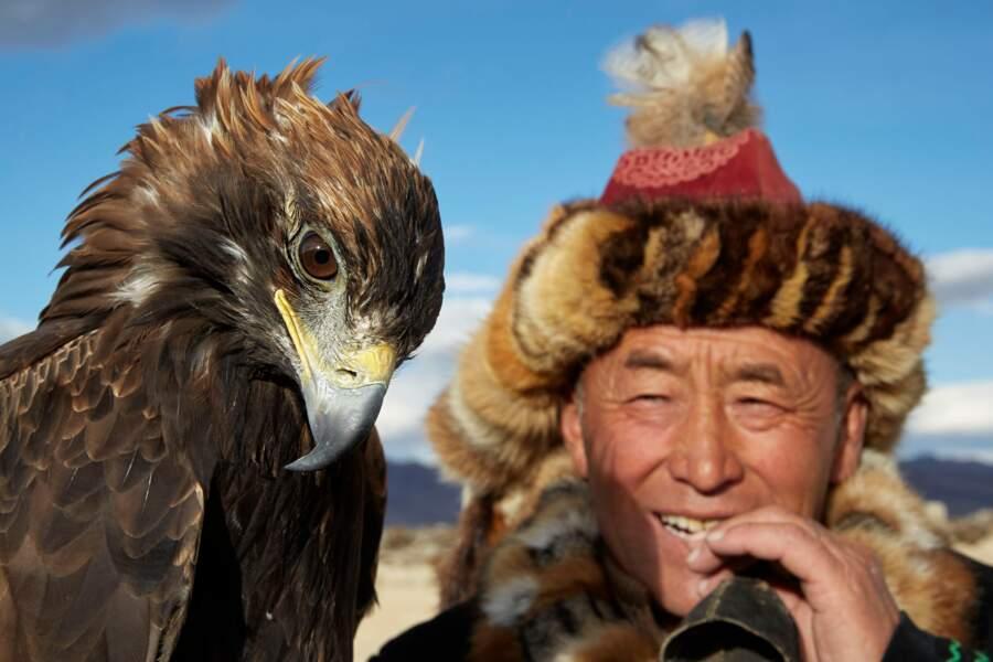 Les berkutchi, chasseurs à l'aigle, héros emblématiques de la culture kazakhe