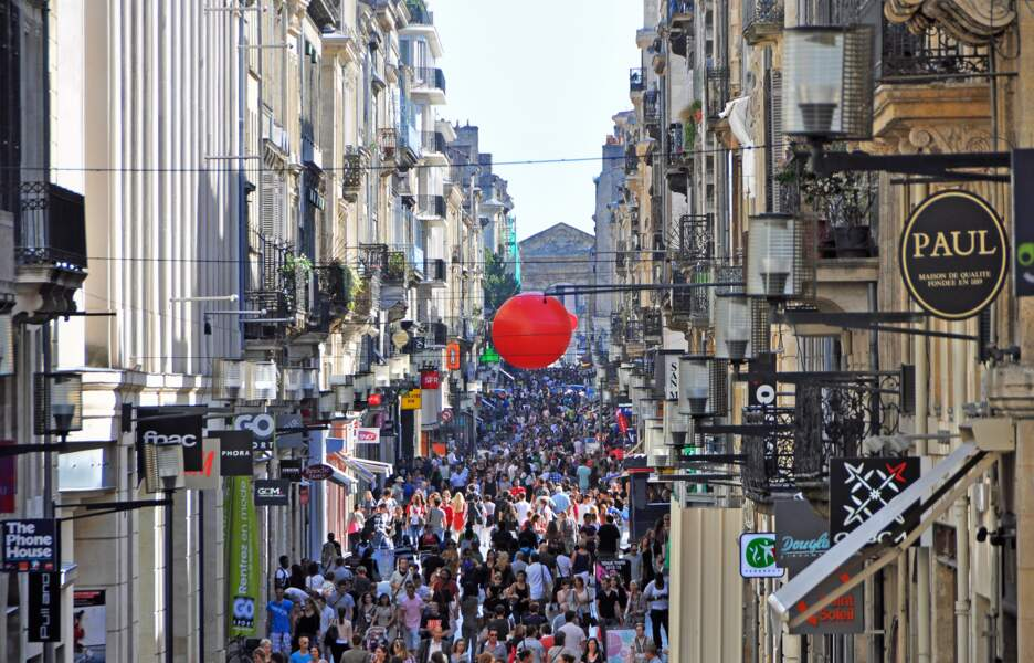 Faire du shopping rue Sainte-Catherine