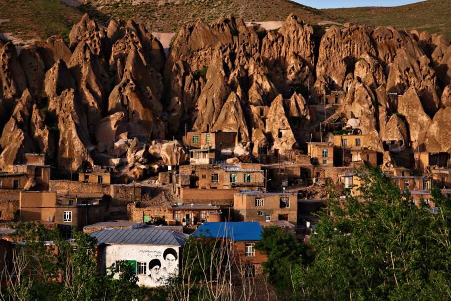 Le moindre village se doit d'honorer les guides spirituels du pays