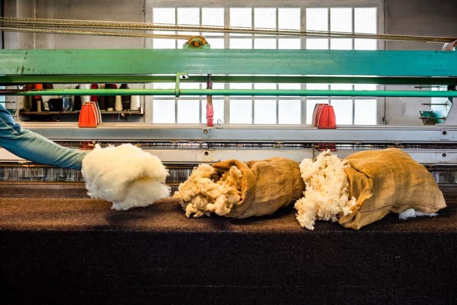 Maison Lafond, La Carde, fabrique de plaids et vêtements en laine des Pyrénées