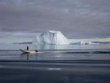 Dans le cercle polaire arctique, les touristes se bousculent avant la fonte des glaces