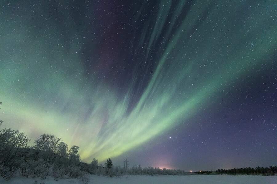 Les aurores boréales illuminent le ciel finlandais
