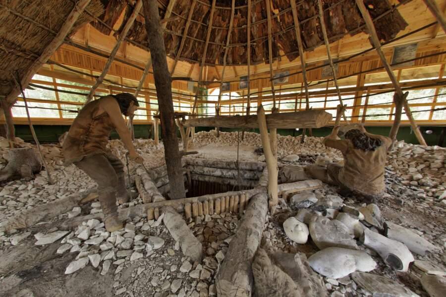 Le site de la région minière préhistorique de silex rayé de Krzemionki en Pologne