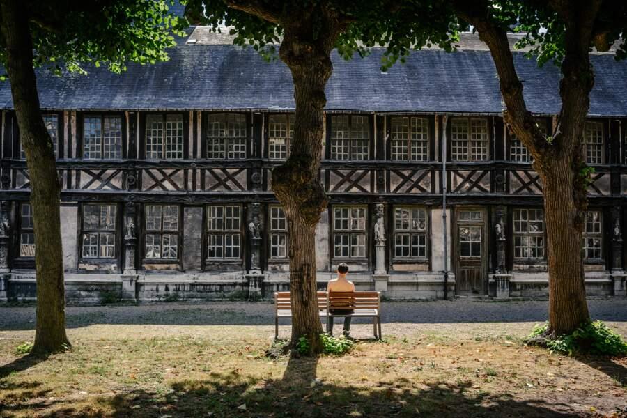 L'ancien cimetière charnier de Rouen