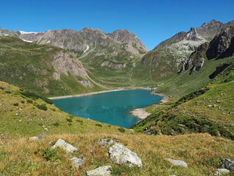 Lac Vannino dans les Alpes lépontines, au nord de l'Italie